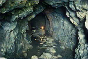 [image: Jung Myung Seok's cave]